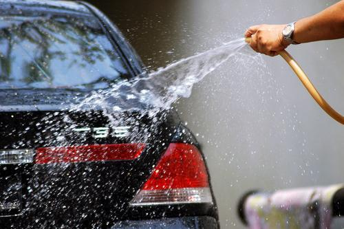 9 Useful Car Detailing Tips: Rinse Thoroughly