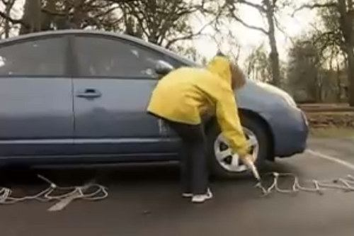Laying out tire chains